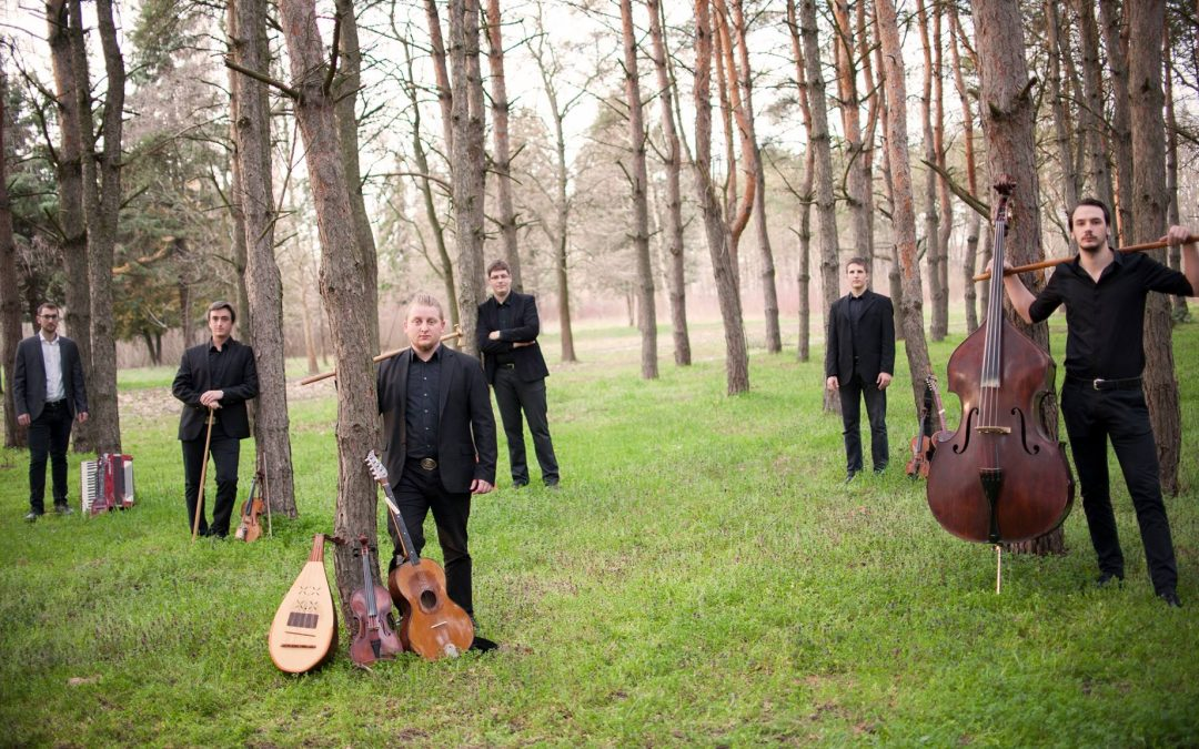 Hungarian Folk Music by the Fokos Band 🗓